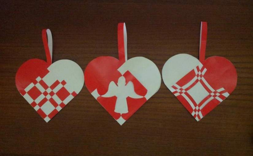 Danish Woven Christmas Hearts – patterns made with Microsoft office tools